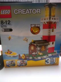 5770 灯台の島1