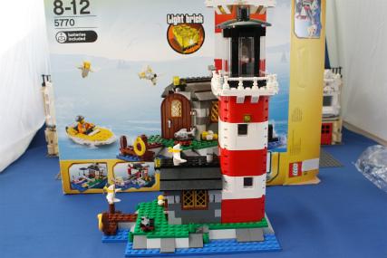 5770 灯台の島10