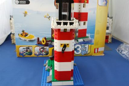 5770 灯台の島11