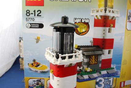 5770 灯台の島12
