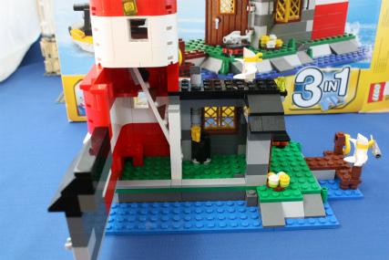 5770 灯台の島16