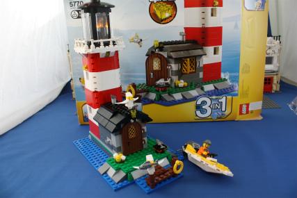 5770 灯台の島18