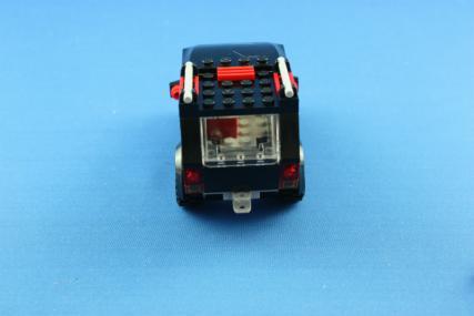 ホーストレーラー付きの4WD12