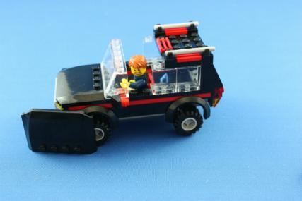 ホーストレーラー付きの4WD13