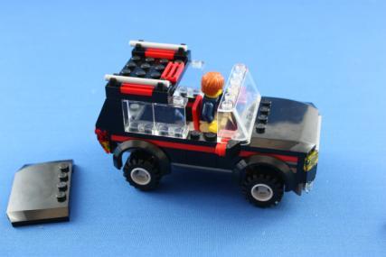 ホーストレーラー付きの4WD14