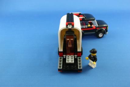 ホーストレーラー付きの4WD20