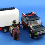 レゴシティ レゴの町 ホーストレーラー付きの4WD