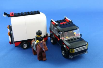 ホーストレーラー付きの4WD23