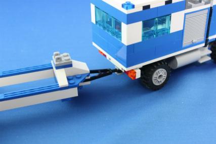 ポリス指令トラックとポリスボート25