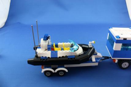 ポリス指令トラックとポリスボート26