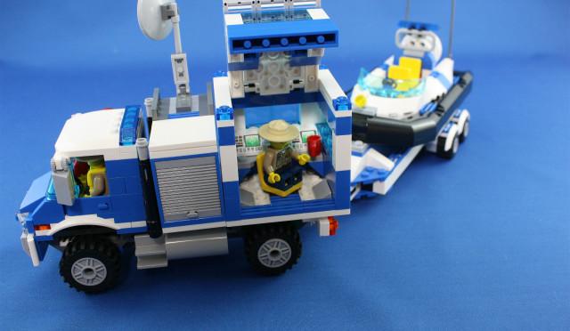 レゴシティ ポリス指令トラックとポリスボート