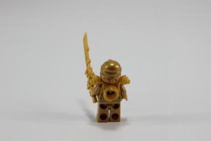 黄金ドラゴン8